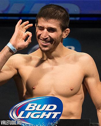 Рустам Хабилов против Дэнни Кастилло на UFC 182